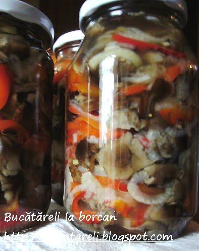 Salata ciuperci cu gogosari
